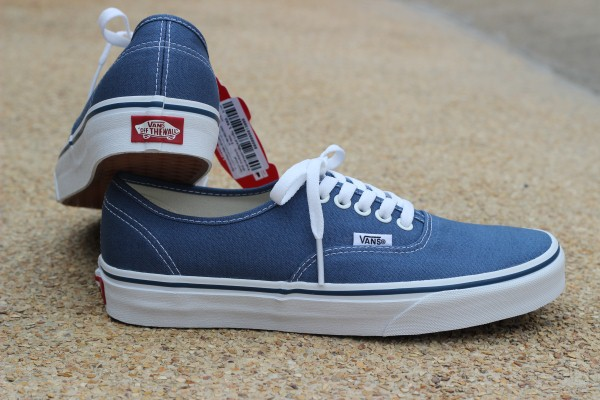 VANS Authentic - Navy : 1680.-