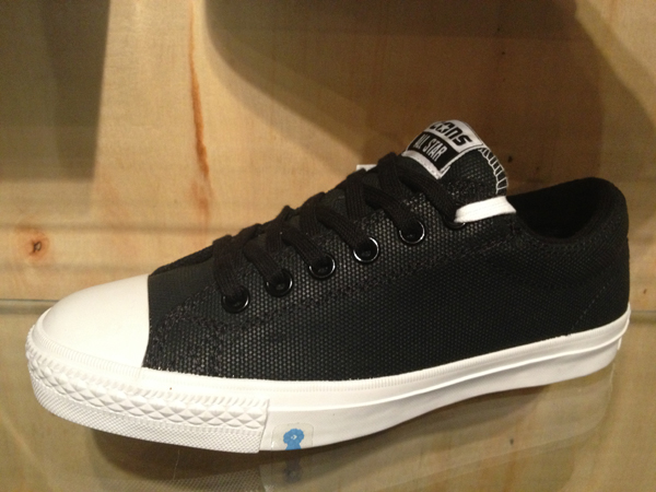 "CONS ""CTS Skate - Black/White"" : Price 2800.-"