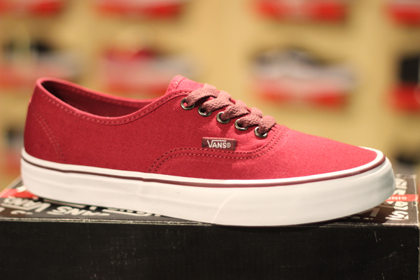 "VANS ""Authentic – Rumba Red/Port Royale"" : Price 1880.-"