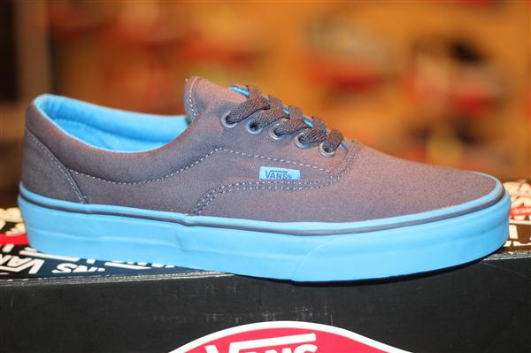 "VANS ""Era (Pop Outsole) – Dress Blue/Brilliant Blue"" : Price 2300.-"