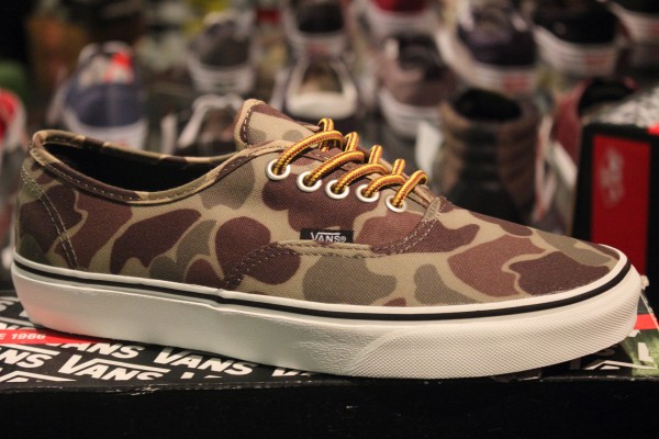 """72c68ec9f4 VANS """"Authentic (Waxed Canvas) - Camo Marshmallow""""  Limited Edition!"""