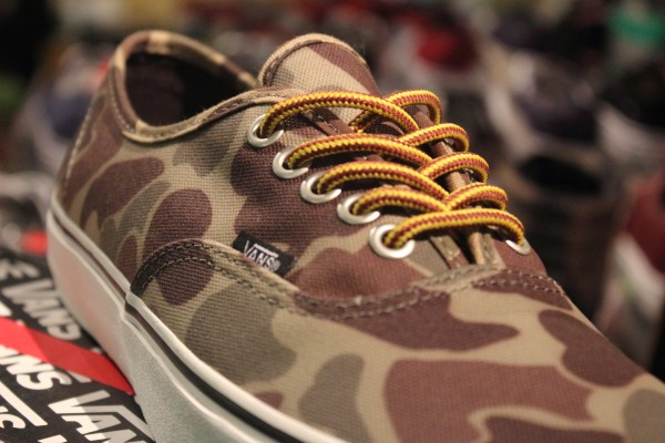 "68d6aaf6b1 VANS ""Authentic (Waxed Canvas) - Camo Marshmallow""  Limited Edition!"