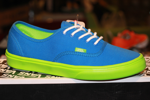 "VANS ""Authentic (Lite) - Skydiver/Green Flash"" : Price 2390.-"
