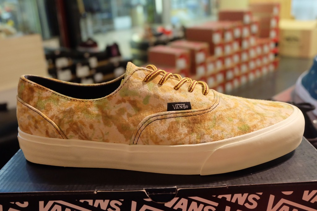 "รองเท้า VANS ""Era Decon CA – (Camo) Brown"" : Price 3490.-"