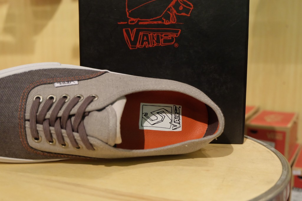 """VANS [SYNDICATE] """"Authentic PRO """"S"""" – (Neil Blender) Grey"""" : Price 4500.-"""