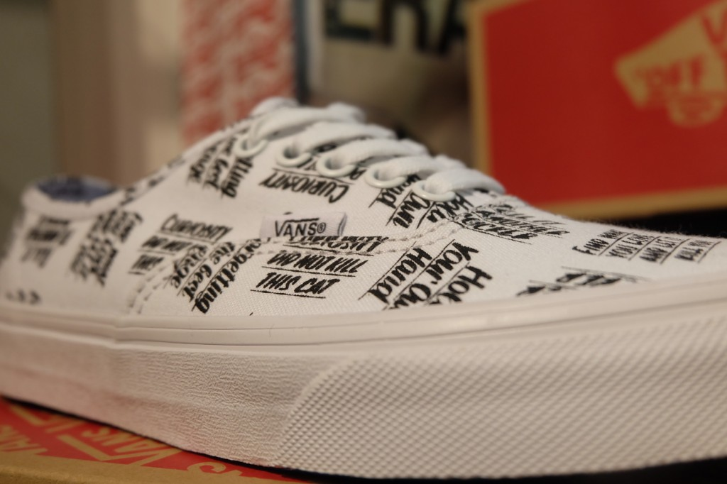 "รองเท้า VANS ""Authentic - (Baron Von Fancy) White/Black"" : Price 2,100.-"