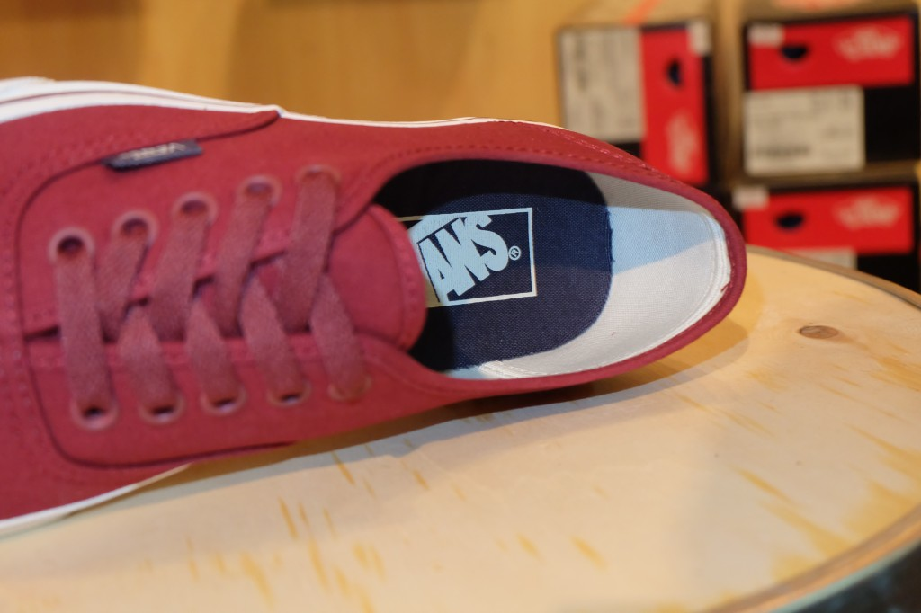 "VANS ""Authentic – (Sport Vintage) Oxblood Red"" : Price 1,950.-"