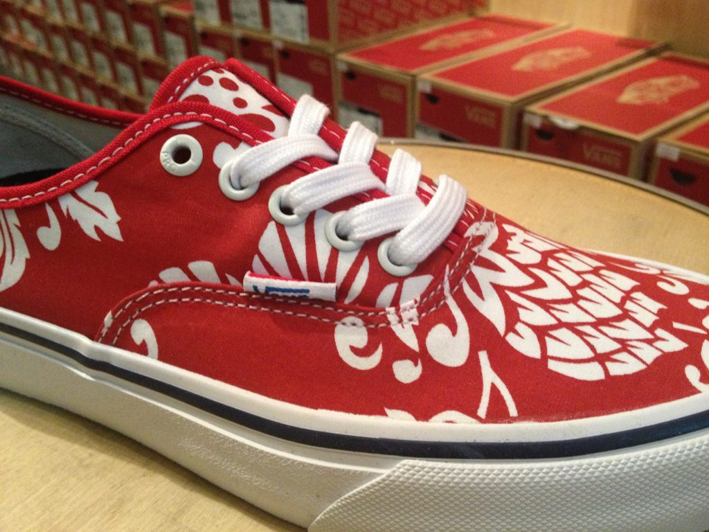 "VANS ""Authentic PRO (50th) '66 Duke/Red/White"" : Price 3,600.-"