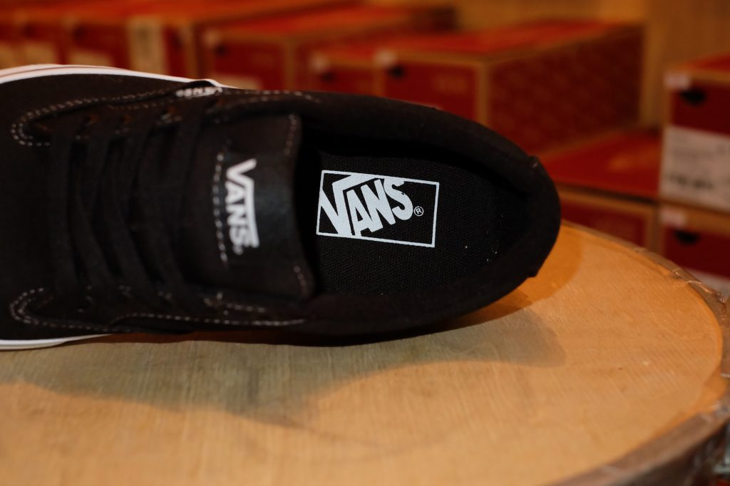 "VANS ""Winston (Canvas) - Black/White"" : Price 1,950.-"