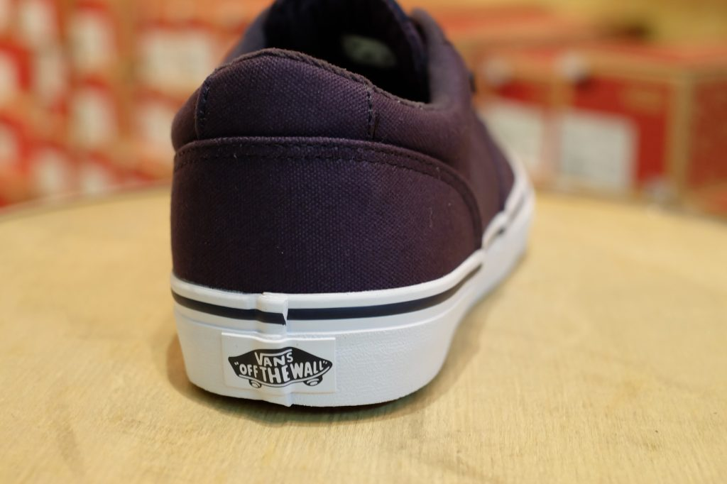"VANS ""Winston (Canvas) - Navy/White"" : Price 1,950.-"