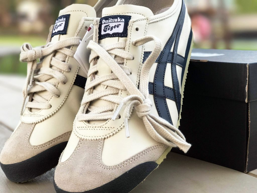 ONITSUKA TIGER MEXICO 66 (Birch/India Ink/Latte) : Price 4,200.-