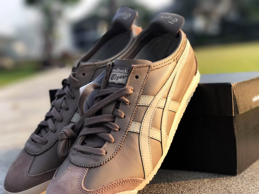 ONITSUKA TIGER MEXICO 66 (Taupe Grey/Latte) : Price 4,200.-