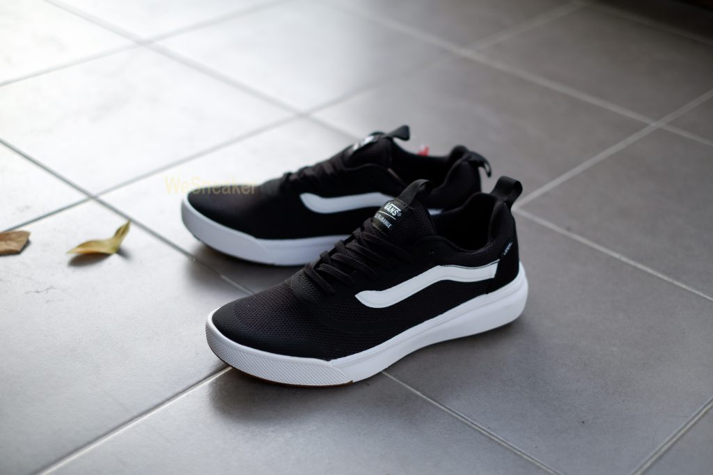 [VANS] UltraRange Rapidweld - Black/White : Price 4,500.-
