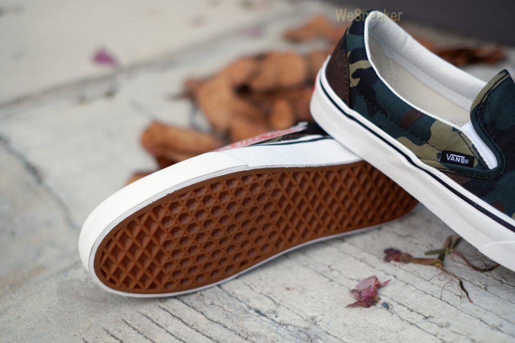 [VANS] Slip-On Woodland Camo 2018 : Price 2,700.-