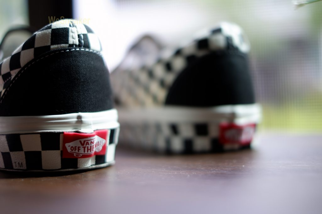 [VANS] Slip-On (Sidewall Checker) Black/White : Price 2,990.-[VANS] Slip-On (Sidewall Checker) Black/White : Price 2,990.-