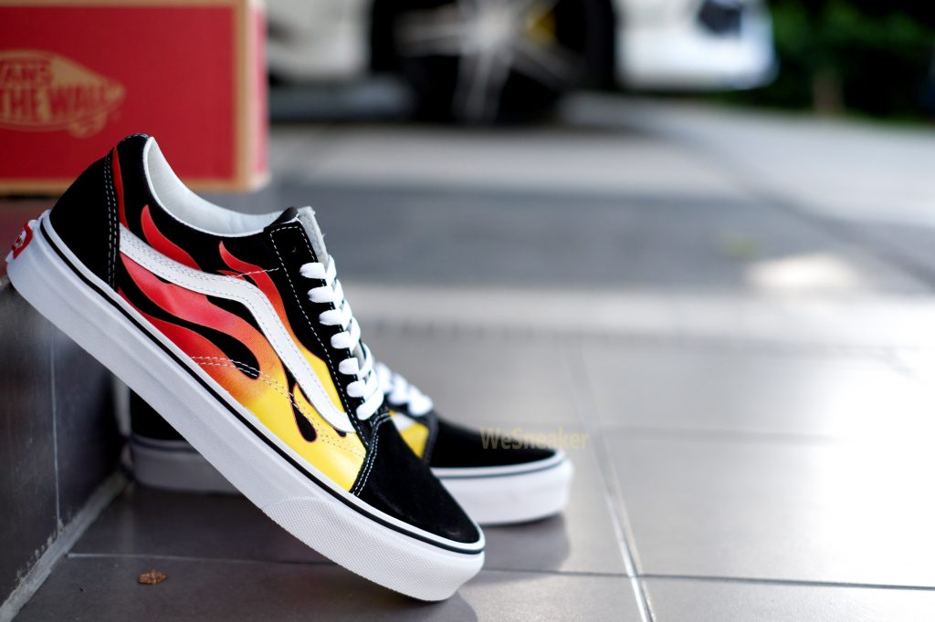 [VANS] Flame Old Skool - Black/Black/True White : Price 3,490.-