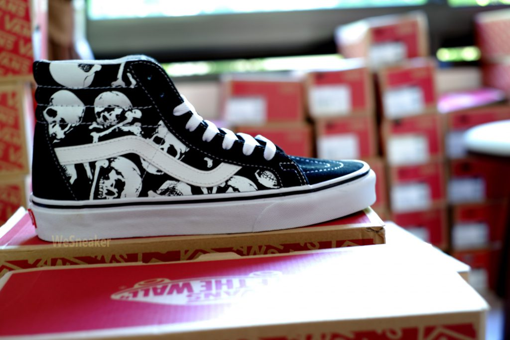 [VANS] SK8 (Hi) - Skulls/Black/True White : Price 3,590.-