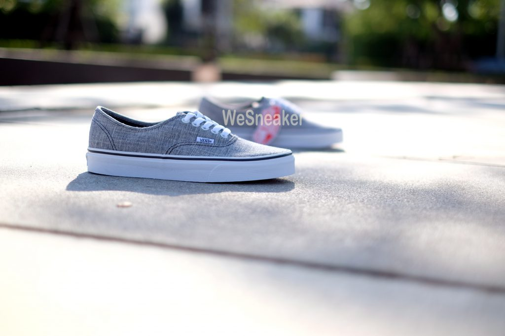 [VANS] Authentic (Chambray) - Ebony/True White : Price 2,100.-