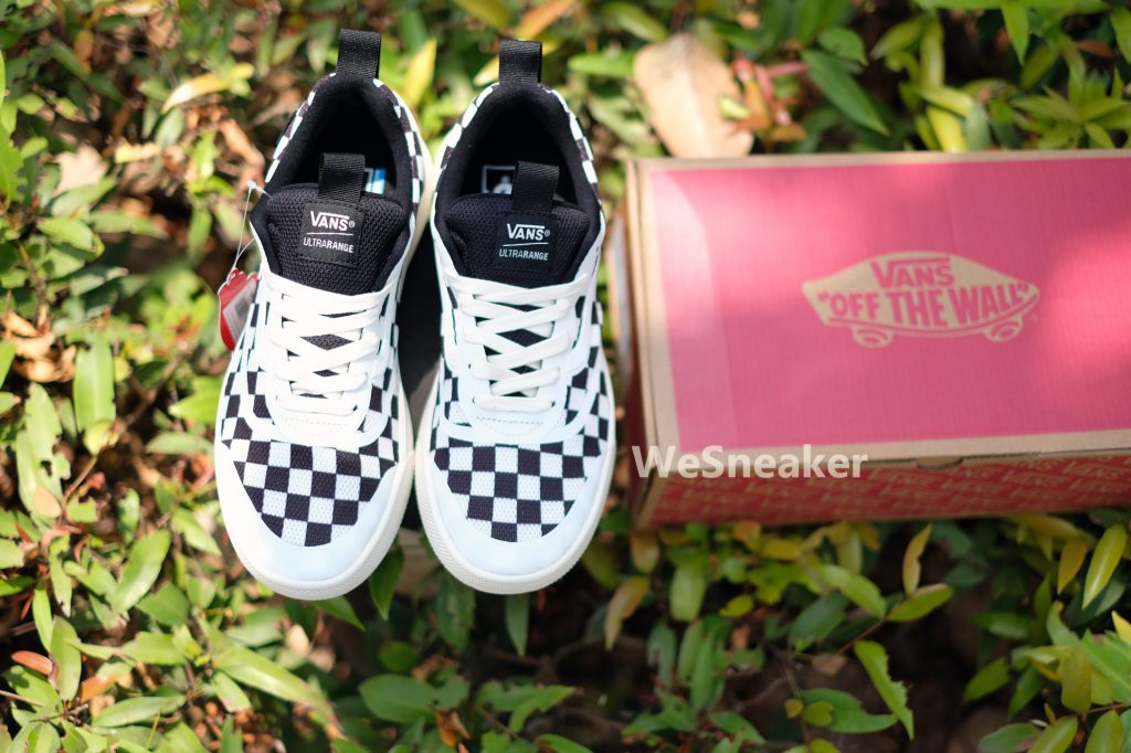 [VANS] UltraRange Rapidweld - Checkerboard Marshmallow/Black : Price 4,200.-