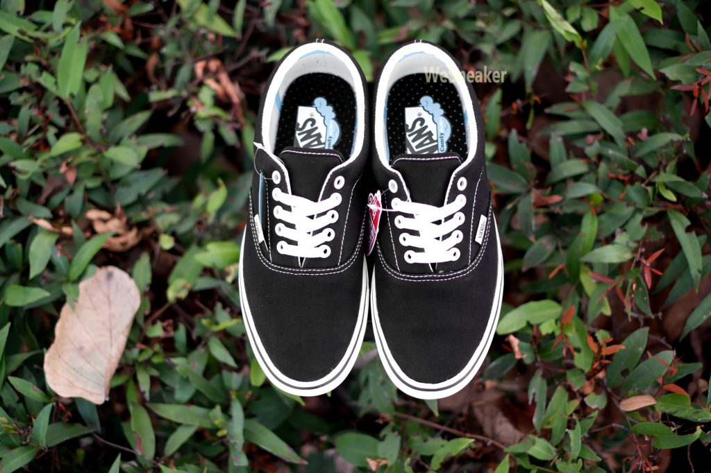 [VANS] Era (ComfyCush) - Black/True White : Price 2,600.-