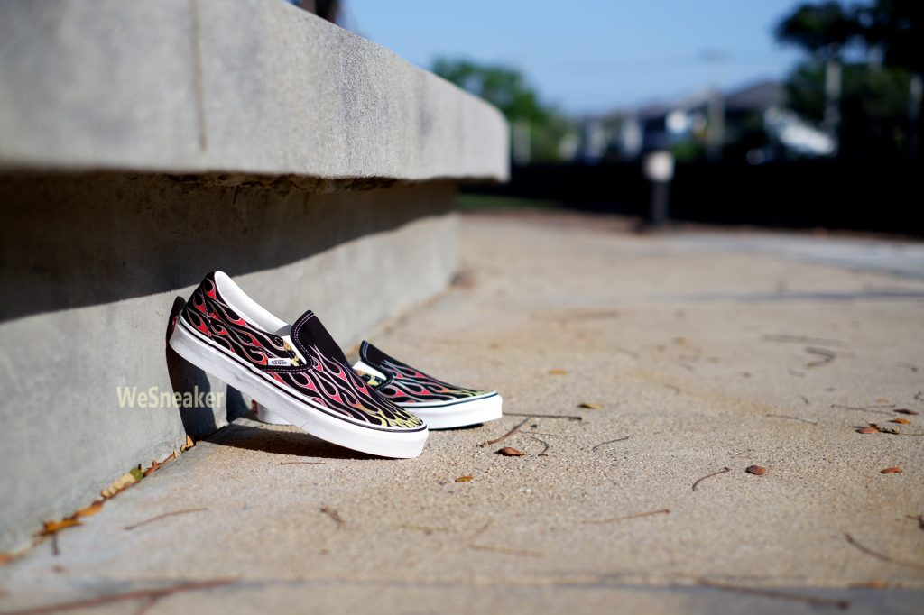 [VANS] Slip-On (Mash Up) - Flame Black/True White : Price 2,500.-