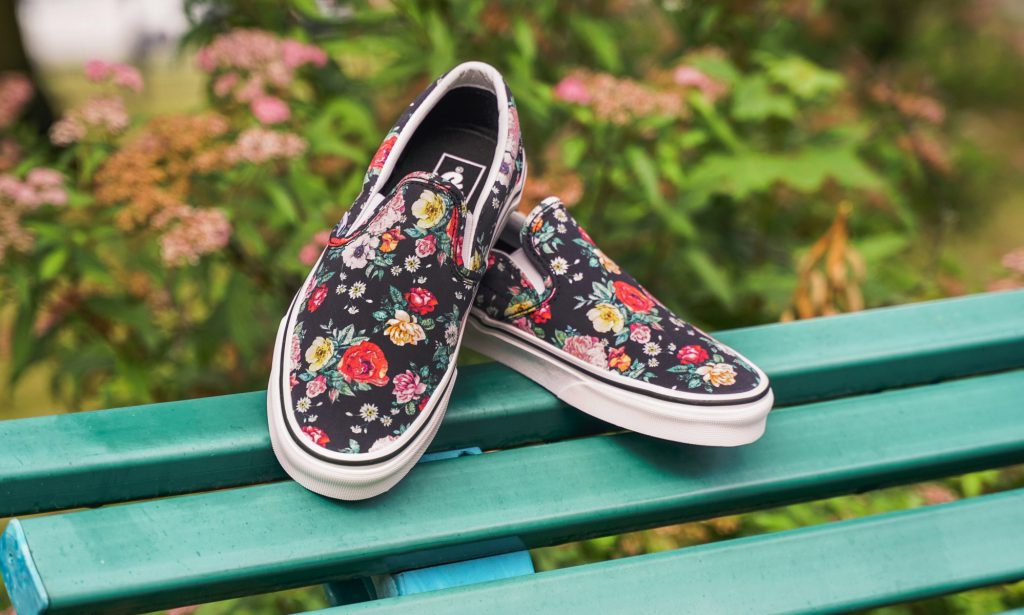 "[VANS] Slip-On ""Garden Floral"" : Price 2,300.-"