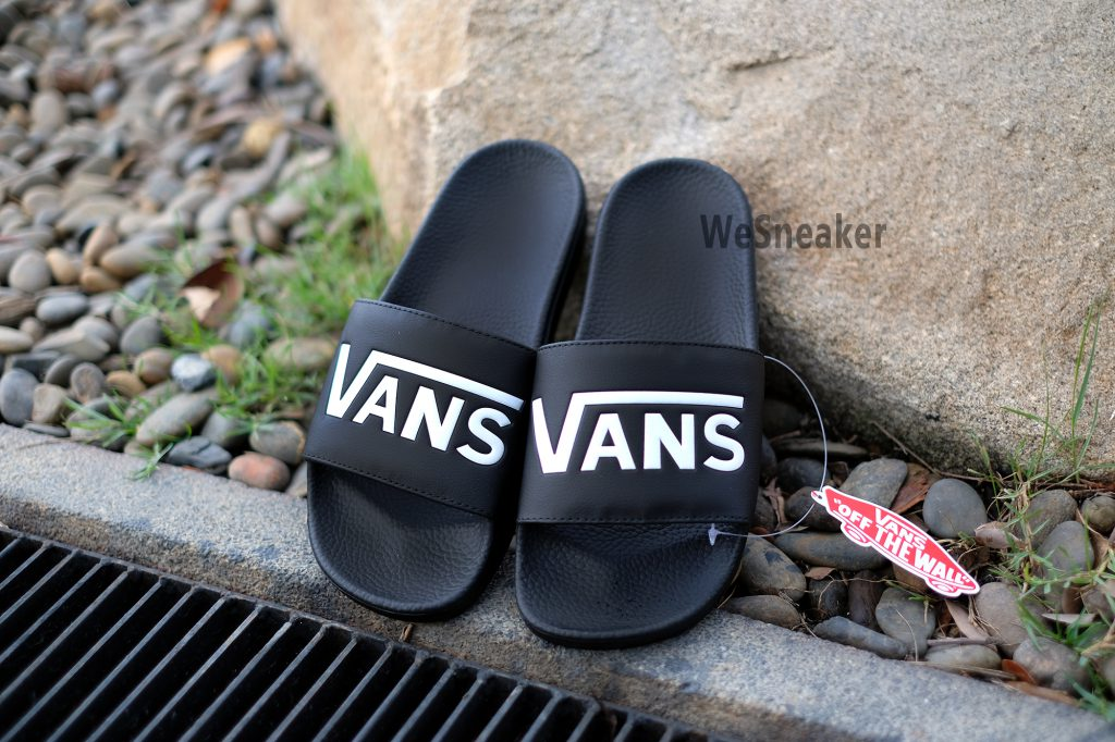 "[VANS] รองเท้าแตะ ""Slide-On"" Collection : Price 1,500.-"