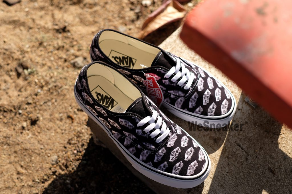 [VANS] Authentic - Blur Boards Black : Price 2,300.-