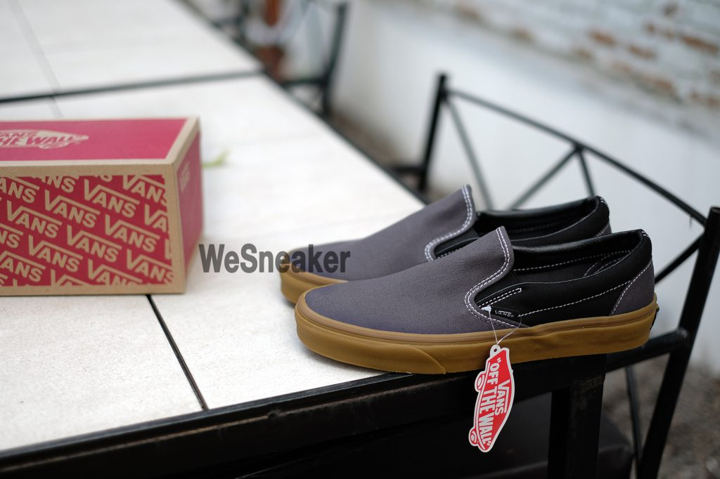 [VANS] Slip-On (Gum) - Obsidian/Black : Price 2,100.-