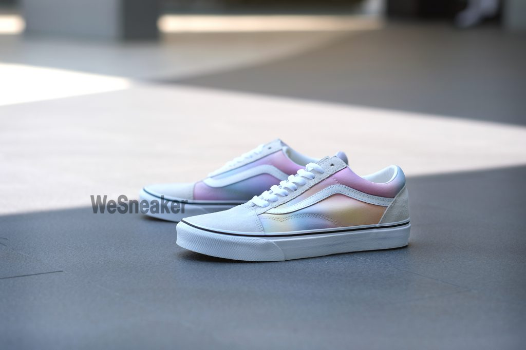 [VANS] Old Skool (Aura Shift) - Multi/True White : Price 2,800.-
