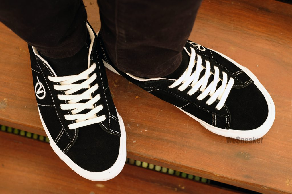 VANS SID (Suede) - Black/White : Price 2,800.-